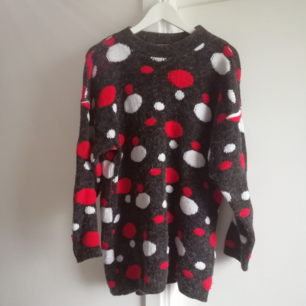 Very unusual vintage sweater, I bought in Dublin.  It's made in England !! Designed by Phoenix, hand made english clothing.
