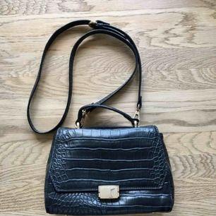 Handväska från Zara med avtagbar axelrem 👜
