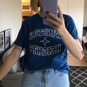 Fin vintage T-shirt. Jag på bilden är en normal S :)