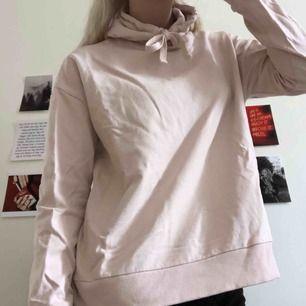 Oversized ljusrosa hoodie från Lager 157 💓