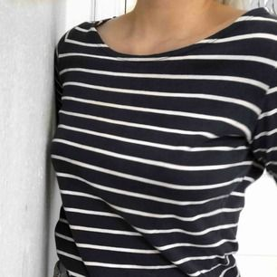 Skön tröja i fint skick från Esprit! Inga defekter. Passar även med med S. Kan frakta mot kostnad💙