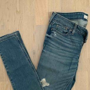 Hollister jeans, ej använda.
