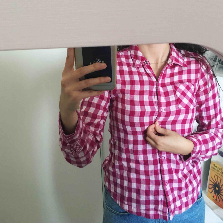 Jättefin rutig skjorta inköpt USAi storlek XS. Använd 1 gång. Blusar.