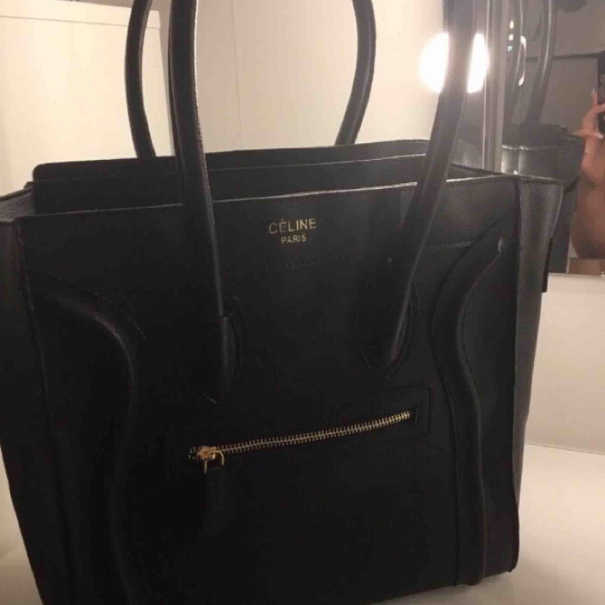 Celine taske bag äkta skinn  Använd 2 gånger Köparen står för frakt. Accessoarer.
