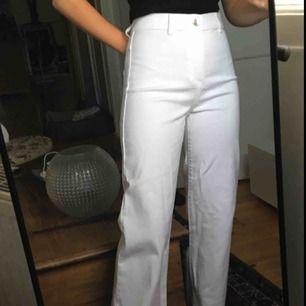 jättefina jeans från Wera! De i storlek 40 är aldrig använd men de i storlek 38 är ett fåtal använda💖