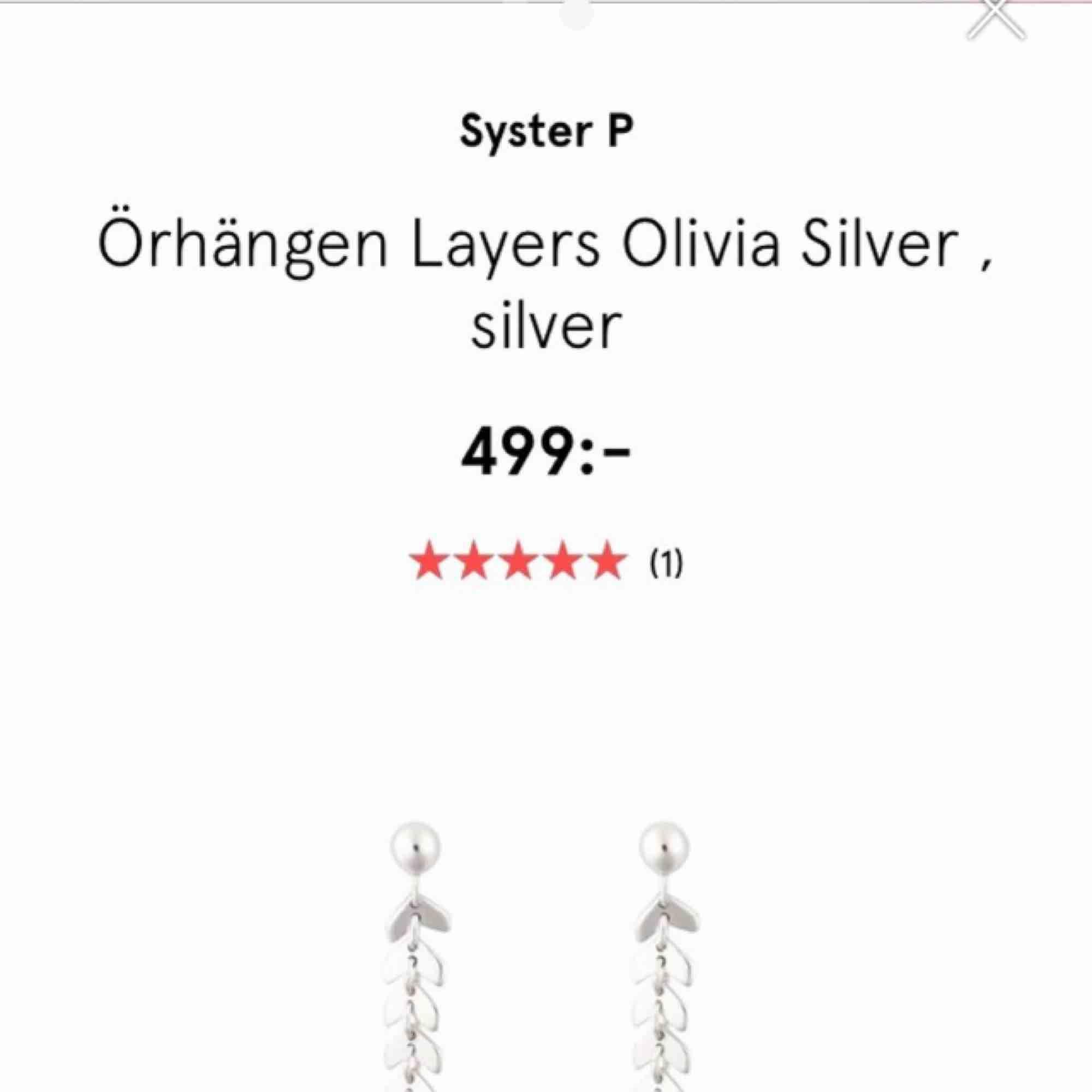 Säljer mina helt oanvända örhängen från Syster P, 240 kr inklusive frakt! De är i äkta silver såklart och nypris är 500 kr. Jag fraktar och tar Swish 🌸💕 . Accessoarer.