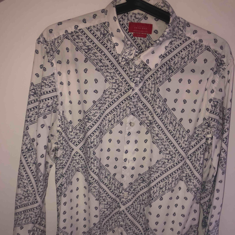 Skjorta från Zara, bra skick. Skjortor.