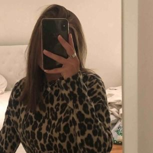 Riktigt fin leopard tröja i strl S