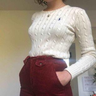 Stickad Ralph Lauren tröja. Nyskick, frakt 50 kr