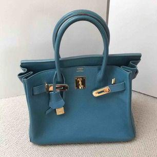 Hermes Birkininspirerad väska Stl 30 cm Äkta skinn - använd men fin Spårbar frakt ingår i priset