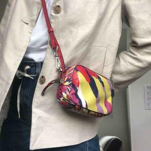 Liten väska från Calvin Klein, knappt använd, köpt i USA