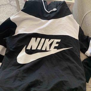 Fake Nike bra skick