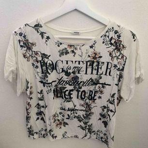 Supergullig t-shirt från pimkie. Frakt 36kr