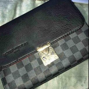 Louis Vuitton axelväska