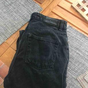 Snygga jeans från monki!!!💓