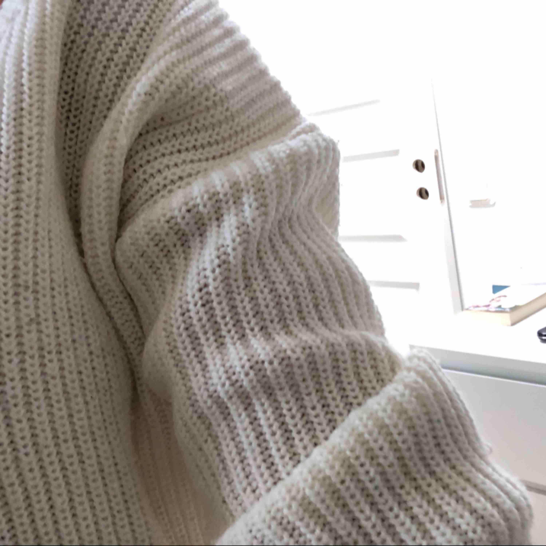 Skön tröja från madlady, köpt för 399, lite stor för mig , använd fåtal gånger. Stickat.
