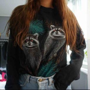 sweater från beyond retro. SÅ SKÖN! endast använd fåtal gånger! S