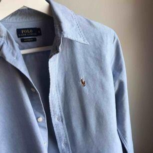 Säljer min nästan oanvända Ralph Lauren skjorta, Custom Fit Strl S ❤️