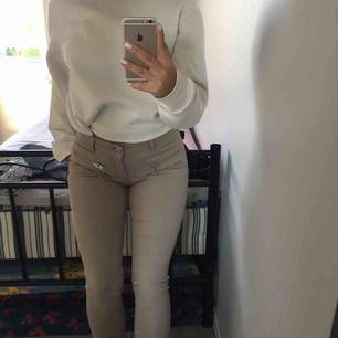 AS snygga nude färgade jeans helllt oanvända från Nelly !