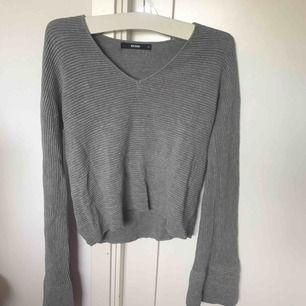 Jätte fin ribbad grå tröja med vida armar, aldrig använd!