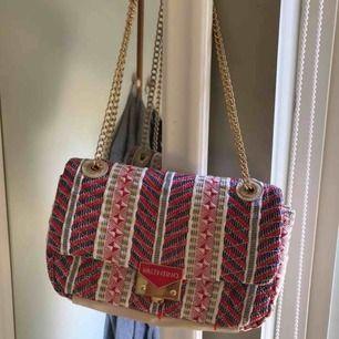 Rymlig väska från valentino! Väldigt bra skick!