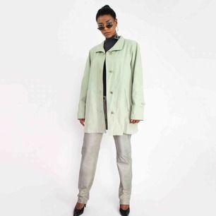 Vintage ca 90s shell oversized jacket coat in mint green SIZE Label: 34 etc., fits best XS-M Model: 169/S Measurements (flat): Length: 82 cm Pit to pit: 55 cm Sleeve inseam: 46 cm