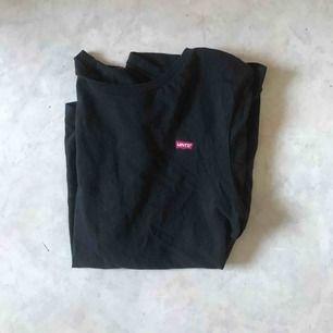 Supersnygg t-shirt köpt på junkyard, nypris 250, frakt tillkommer