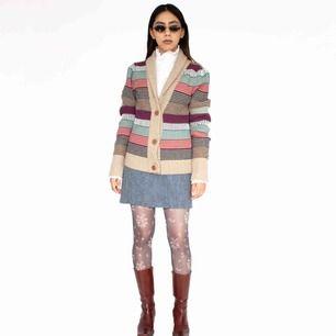 Tommy Hilfiger Denim cotton wool blend multicolored striped cardigan Some fabric pilling SIZE Label: L, but fits best XS-S Model: 165/XS Measurements (flat): Length: 65 cm pit to pit: 48 cm Read full description at our website majorunit.com