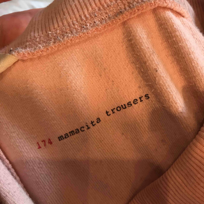 Säljer mina älskade Odd molly mjukisar, bootcut-modell! Lite slitna därav priset. Säljes pga för små (Två första bilderna är Inte mina). Övrigt.