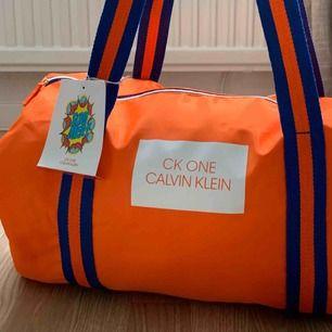 Bag från Calvin Klein, aldrig använd med prislappen kvar
