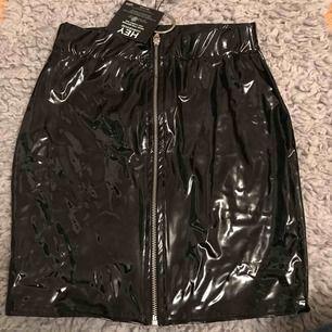 Oanvänd kjol i XS. 150kr inkl frakt 🥰