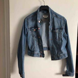 Jeans jacka , använd ca 5 gånger från h&m