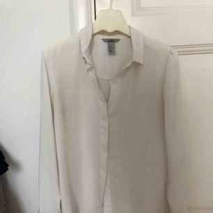 skjorta blus från hm, kan användas som oversize