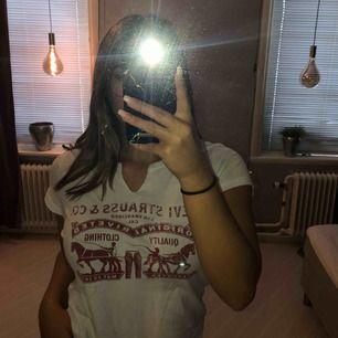 T-shirt från Levis, 50kr med frakt!!