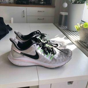 Nike air zoom vomero, nypris 1499kr. Använda max 5 gånger