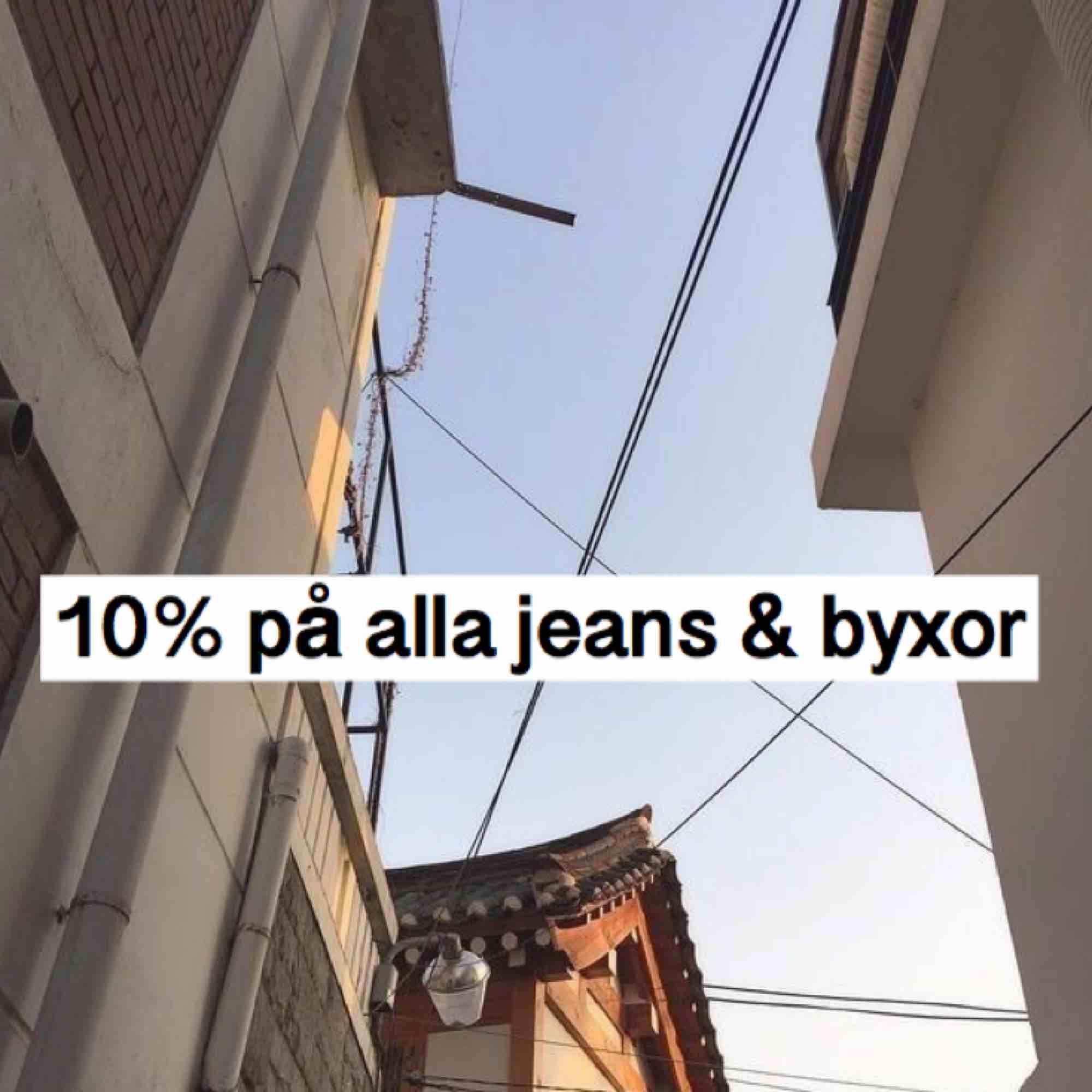 hej hej, kör 10% på alla jeans, byxor och shorts🦋. Jeans & Byxor.