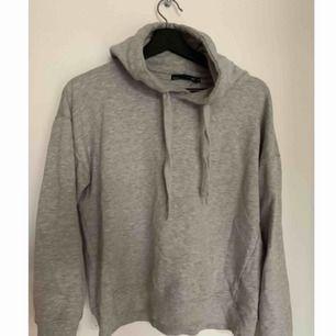 Grå hoodie från Lager157 Säljer pga har flera andra liknande