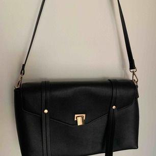 Svart väska från H&M