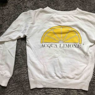 Tröja från Acqua Limone. Unisex, stl Xs. Passar även s. Helt nyskick.