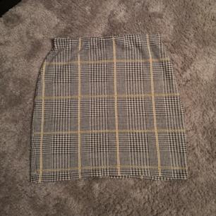 Ny kjol, superfin!! Från pull&bear  Passar XS - S