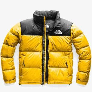 """Helt oanvänd """"North face jacka"""". Jag aldrig haft på mig den. Den är väldigt snygg och nypriset är 2500. Självklart äkta köpt på stadium i Sverige."""