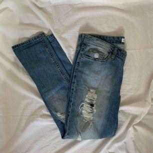 Jeans! Frakt tillkommer