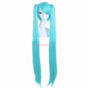 Blå hatsune miku peruk för halloween eller cosplay Kort peruk med två långa tofsar. Hatsune miku wig Bra skick Ställ följer med om så önskas