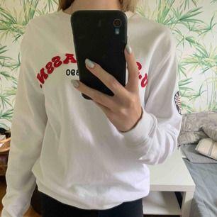 Säljer en tröja från polo, Köpt på kidsbrandstore, orginal priset är 400kr (Unisex)