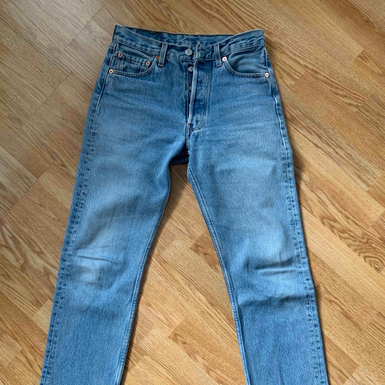 Vintage Levis 501, passar storlek 25/26.. Jeans & Byxor.