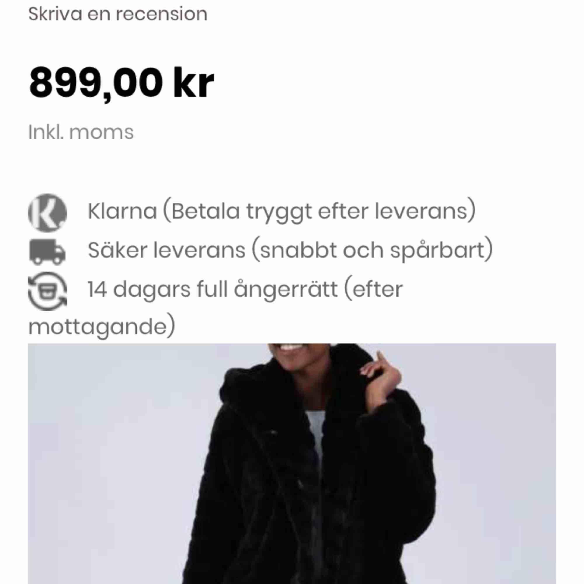 Tjockare faux fur jacket svart, i storlek S/M. Helt ny och oanvänd.. Jackor.