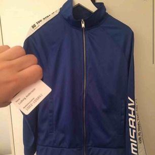 Misbhv trackjacket  Size s Knappt använd