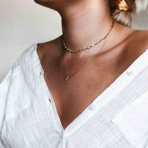 2 halsband från Safira. Aldrig använda, förutom när jag skulle ta bilden. 50kr styck, eller båda för 70!