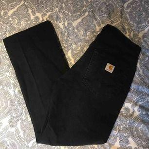 Carhartt relaxed fit jeans Storlek 31/32 Använda men bra skick