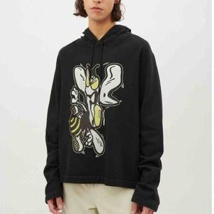 Our legacy lost bee print hoodie Storlek 46 men är oversized